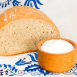 tradition_slovakia_bread_and_salt_shutterstock-1